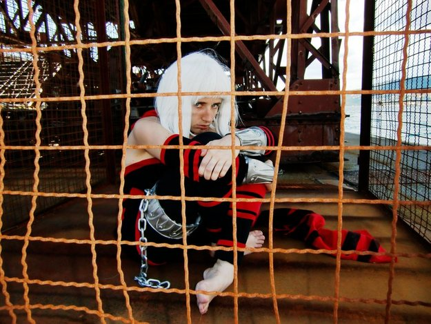Orta Cosplay (Laughing Pineapple) Imprisoned
